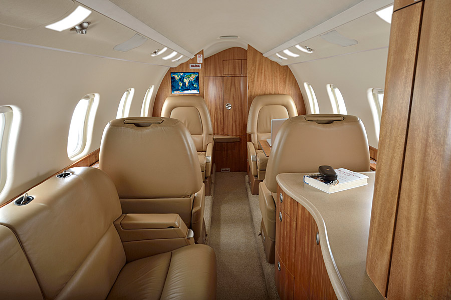 Image gallery lear 60 interior - Interior images ...